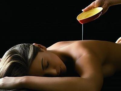soin corps et huile essentielle